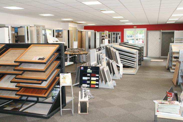 Vm modernise sa salle d exposition de parthenay 79 herige - Vente unique point com ...